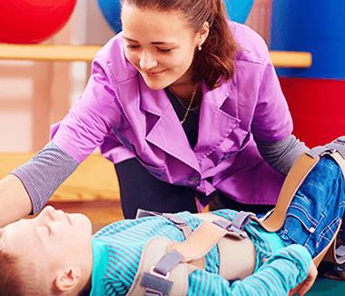 reapariția genunchiului în tratamentul paraliziei cerebrale)