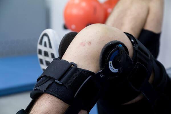 extensie genunchi recuperare interventie ortopedica