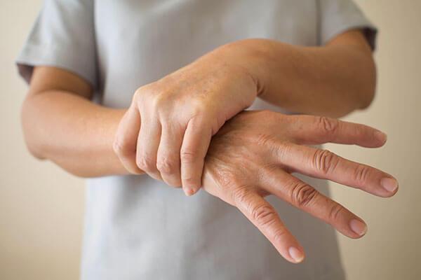 Boala Parkinson tremur maini